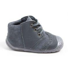 Babybotte ZAUFREY gris Babybotte Chaussure de bébé debout garçon en cuir et à lacets gris